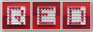or50-roberto carlocchio RED Rosso E' Differente Tecnica mista smalti per unghie su palline da golf acrilico su cartone per uova malta cementizia su cartone alveolare trittico 48x48x3